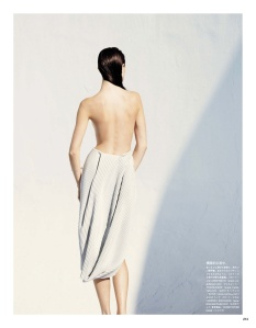 Purity Of White: Jacquelyn Jablonski By Julia Noni For Vogue Japan May 20143