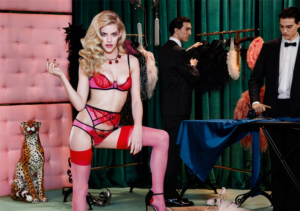 b97f51d91a agent-provocateur-fall-winter-2014-15-ashley-smith-dioni-tabbers ...
