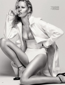 Karolina Kurkova By David Roemer For Harper's Bazaar Russia September 2013 (3)