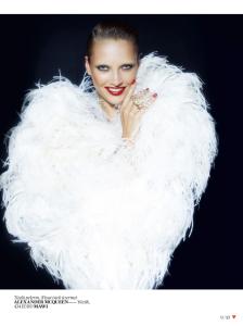 Karmen Pedaru by Cuneyt Akeroglu for Vogue Turkey December 2013 (10)