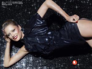 Karmen Pedaru by Cuneyt Akeroglu for Vogue Turkey December 2013 (12)