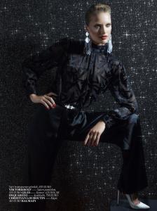 Karmen Pedaru by Cuneyt Akeroglu for Vogue Turkey December 2013 (9)