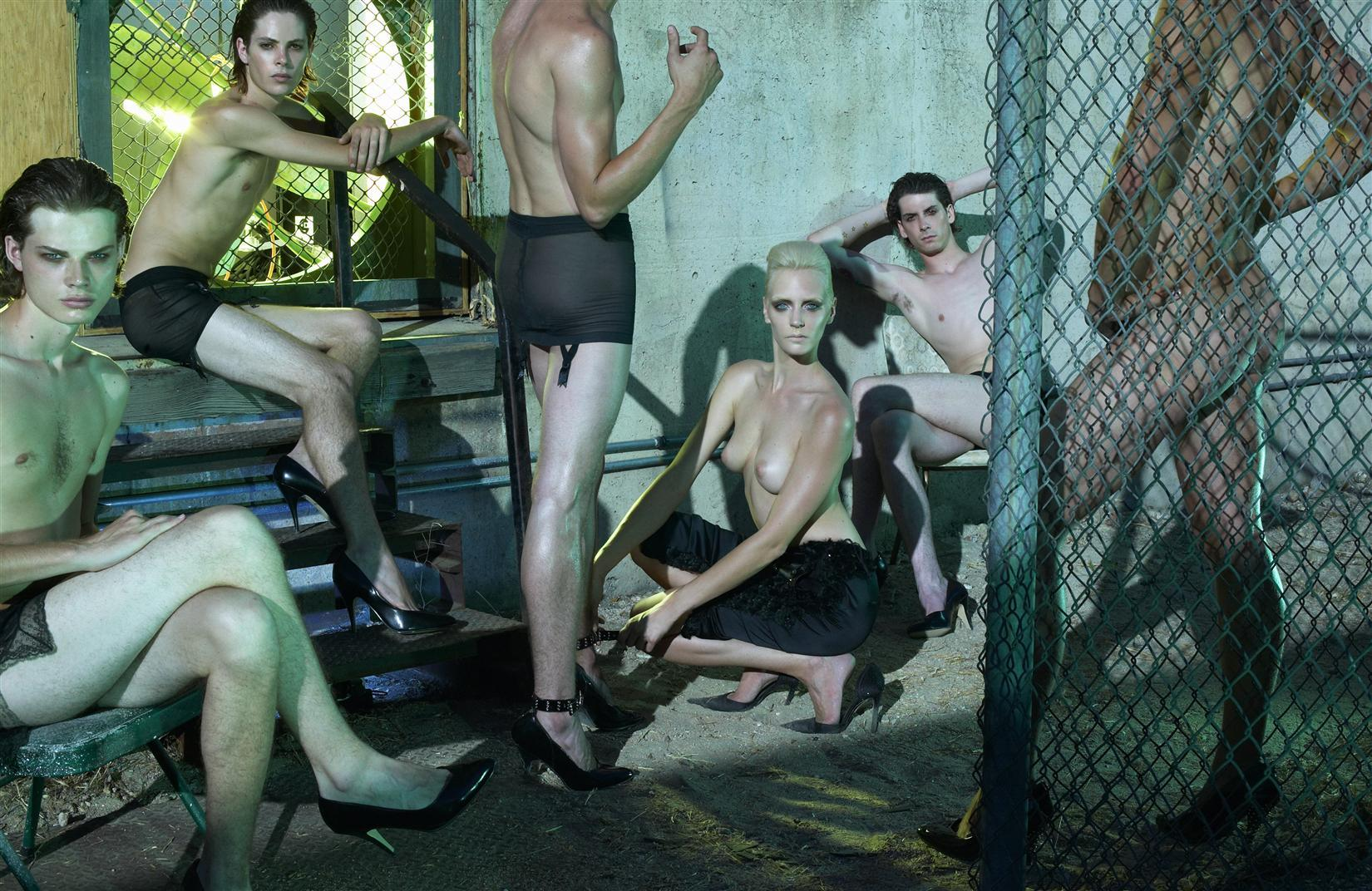 Fashionmonger - Página 19 Karen-elson-elise-crombez-missy-rayder-hannelore-knuts-jessica-stam-robert-boyd-holbrook-stefan-forrester-walker-rj-chris-mcmillen-harry-kinhead-kian-mitchem-by-steven-meisel-f10