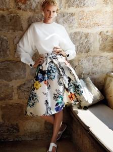 Lara Stone by Mario Testino for Vogue China February 2015 (2)