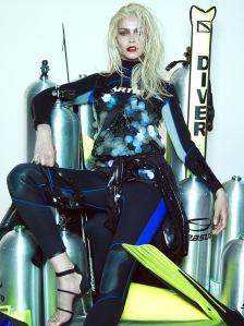 Amanda Wellsh by Henrique Gendre for Vogue Brazil January 2015 (4)