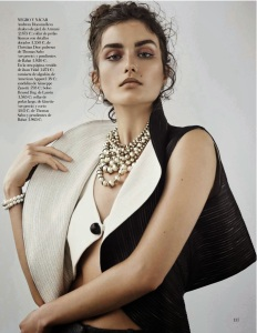 Andreea Diaconu By Mariano Vivanco For Vogue Spain October 2013 (3)