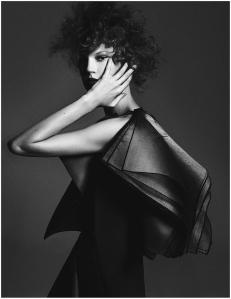 Elisabeth Erm by Driu Crilly & Tiago Martel for Vogue Ukraine December 2014 (2)