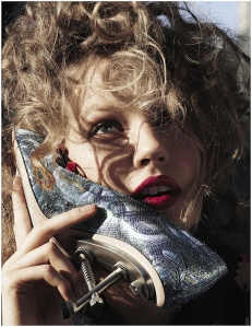 Elisabeth Erm by Driu Crilly & Tiago Martel for Vogue Ukraine December 2014 (3)