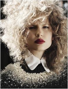 Elisabeth Erm by Driu Crilly & Tiago Martel for Vogue Ukraine December 2014 (4)