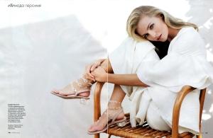 Valentina Zelyaeva By Kayt Jones For Elle Russia March 2013 (22)