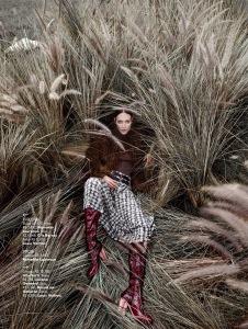 Amanda Fiore And Luiza Scandelari By Nicole Heiniger For L'officiel Brasil April 2015 (4)