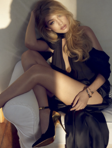 Gigi Hadid by Henrique Gendre for Vogue Brazil July 2015 (1)