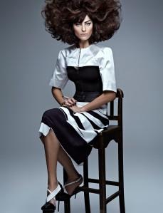 Isabelli Fontana by Zee Nunes for Vogue Brazil September 2013 (2)
