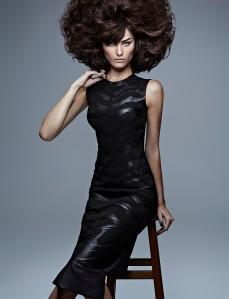 Isabelli Fontana by Zee Nunes for Vogue Brazil September 2013 (3)