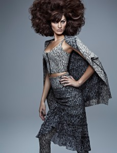 Isabelli Fontana by Zee Nunes for Vogue Brazil September 2013 (6)