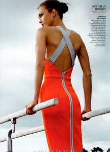 Karlie Kloss And Various Male Athletes By Annie Leibovitz For Us Vogue June 2012 (1)