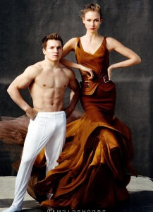 Karlie Kloss And Various Male Athletes By Annie Leibovitz For Us Vogue June 2012 (2)